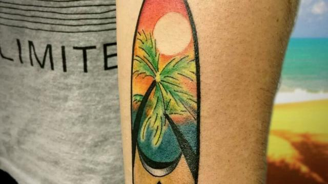 Brazo Tatuaje a color tabla de surf – Jose Prieto Ink Sweet Tattoo