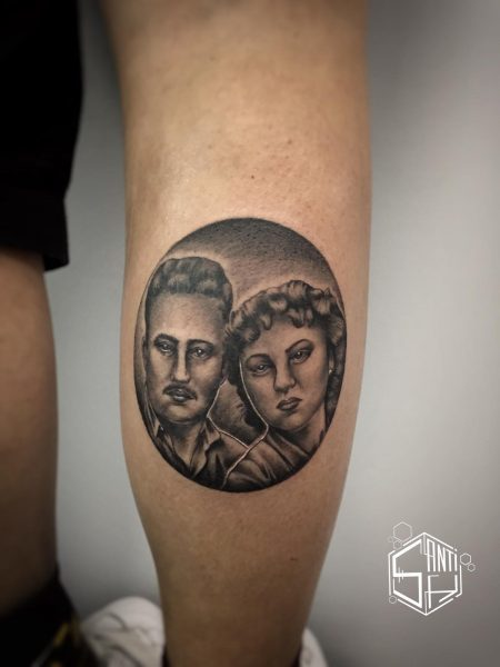 Tatuaje microrrealista de Santi H en Ink Sweet Tattoo